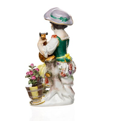 figurine gardening girl with guitar Meissen gardening childs painted 1st Choice very good condition